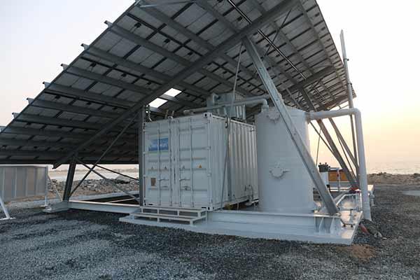 افتتاح اولین واحد آب شیرین کن خورشیدی